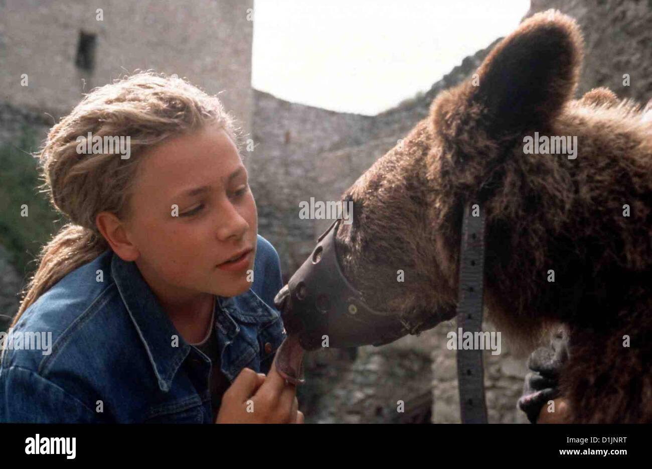 Picture of max riemelt - Der Baer Ist Los B R Ist Los Der Max Riemelt Joschka Local Caption 2000 Senator Film