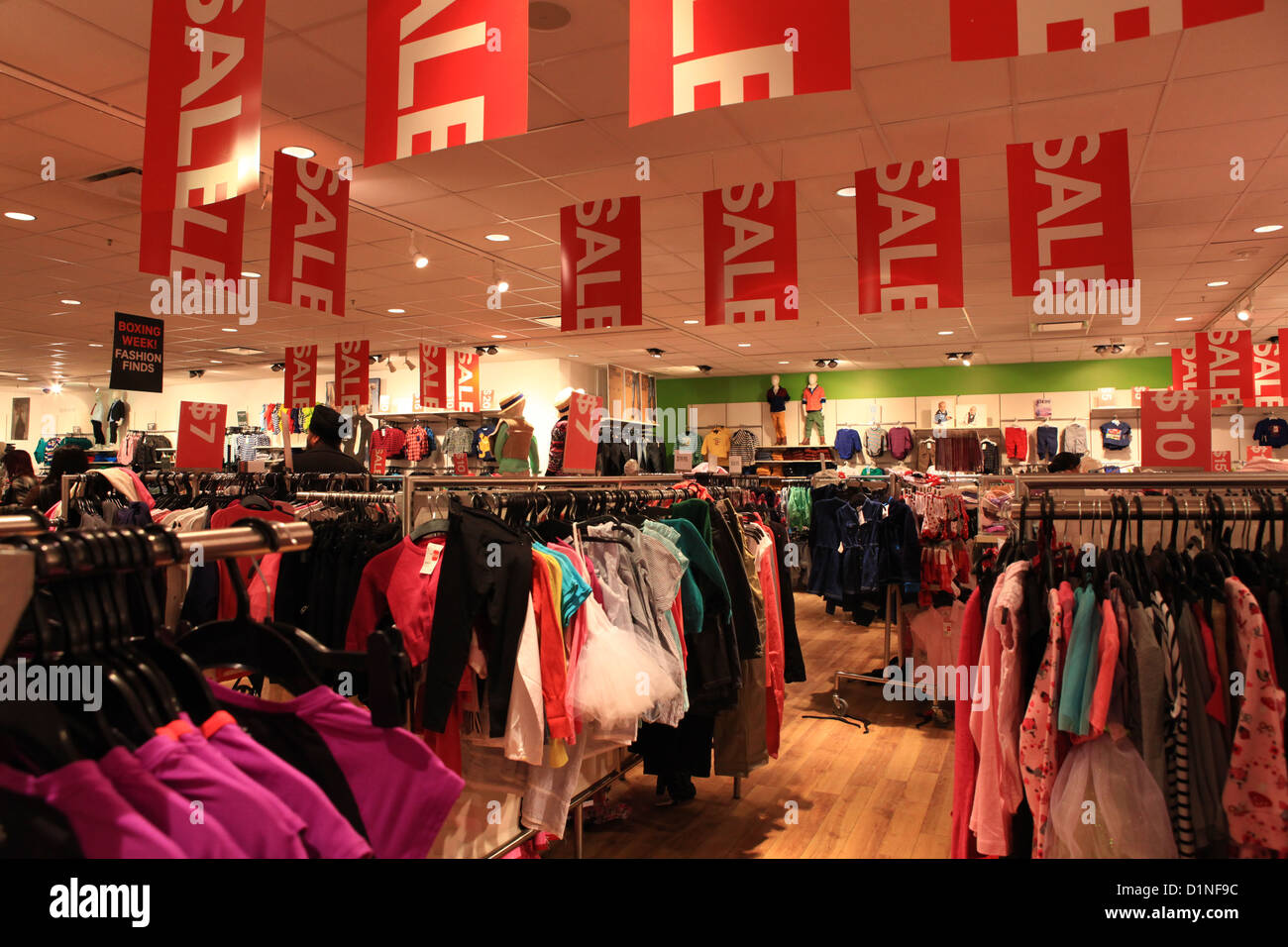 boxing week massive sale in h m kids store in vaughan mills mall in stock photo royalty free. Black Bedroom Furniture Sets. Home Design Ideas