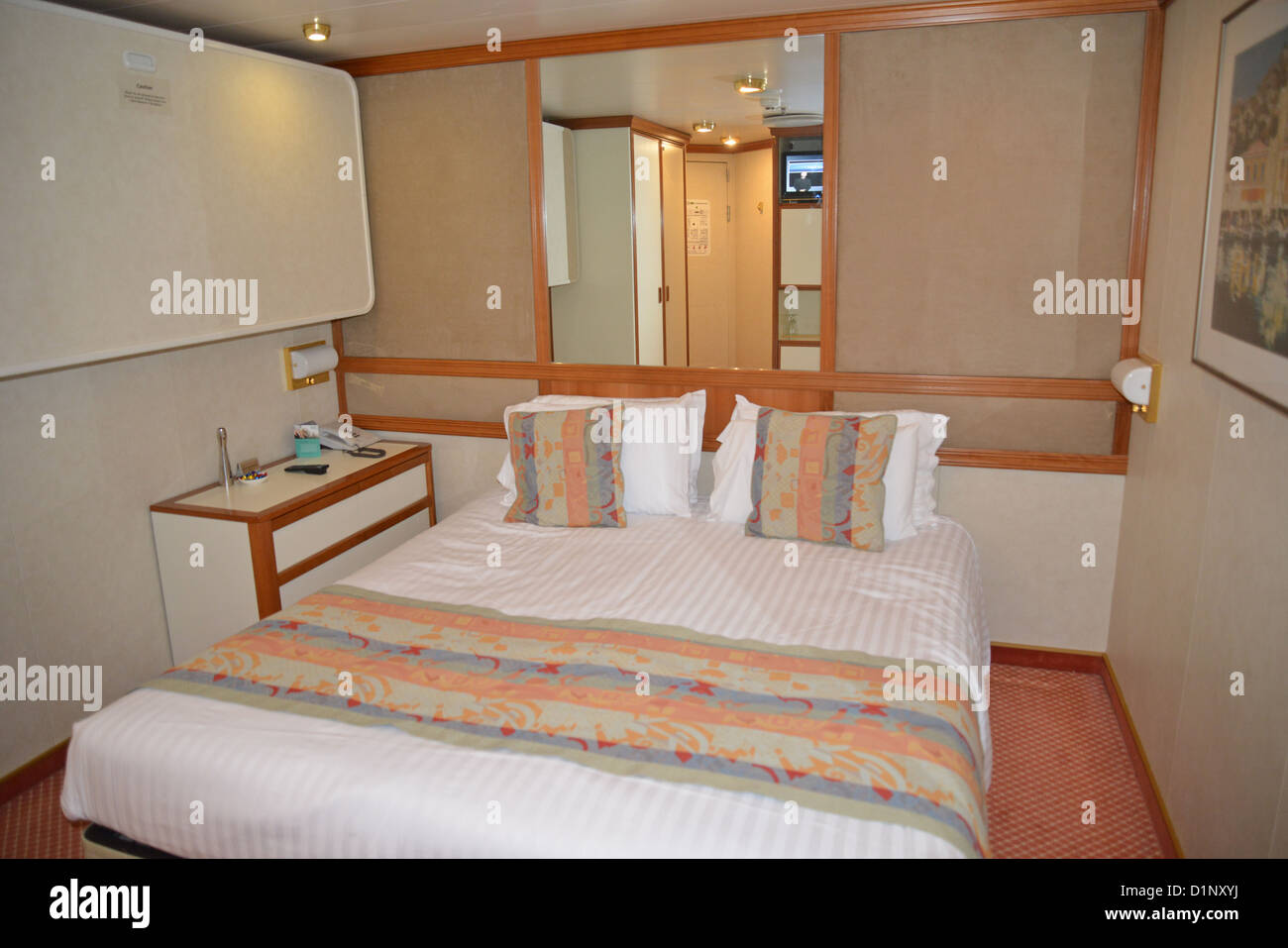 Inside cabin p o oceana cruise ship north sea europe for P o cruise bedrooms