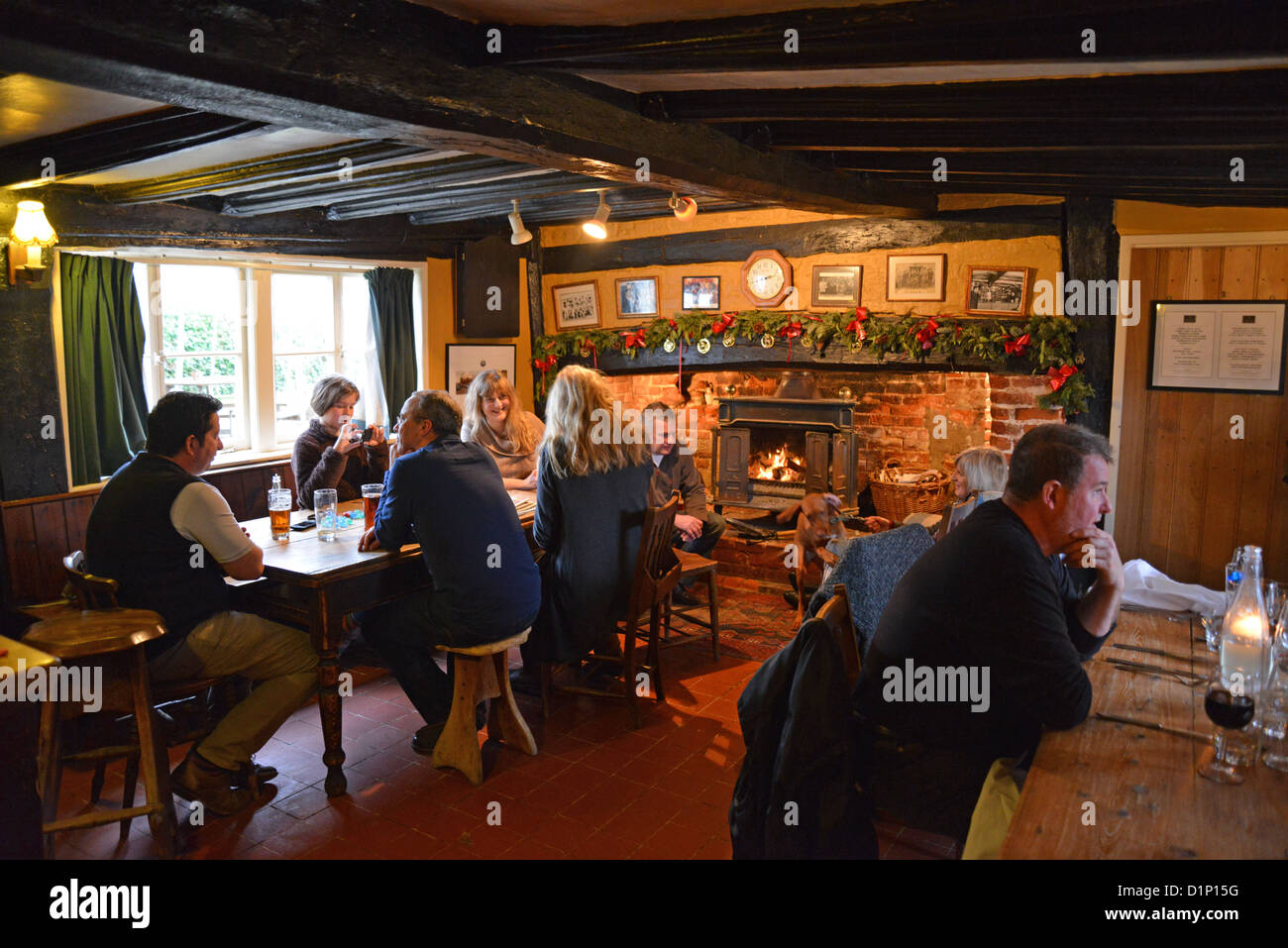 bar interior at the queen 39 s head pub hawkedon suffolk. Black Bedroom Furniture Sets. Home Design Ideas