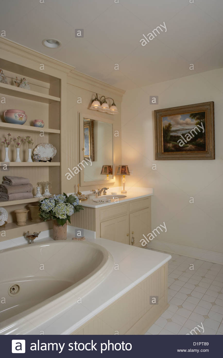 Bathroom Cottage Style Painted Wainscot Vanity ,tub Surround And ...