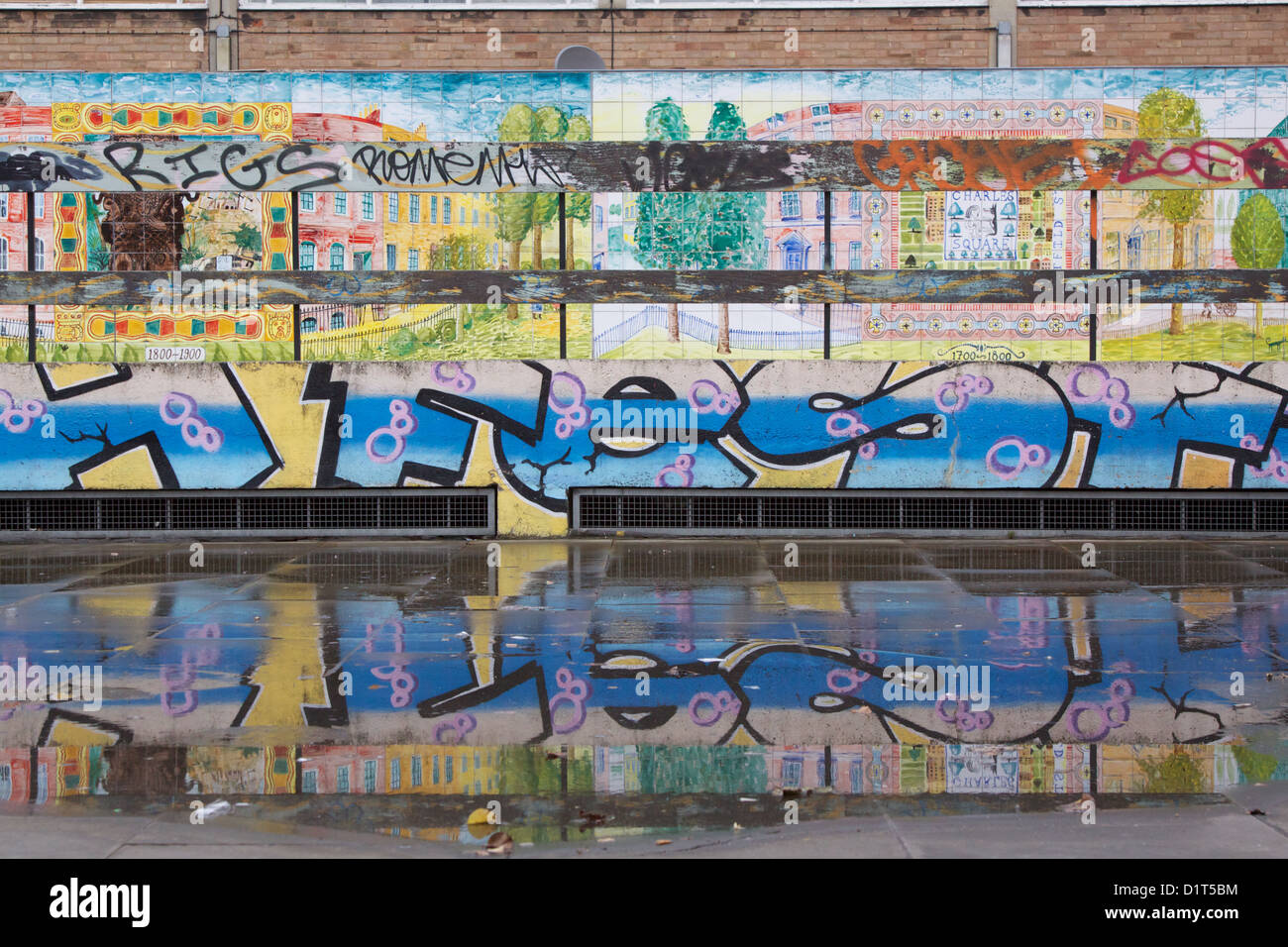 Graffiti wall uk - Graffiti Wall In Old Street East London England Uk