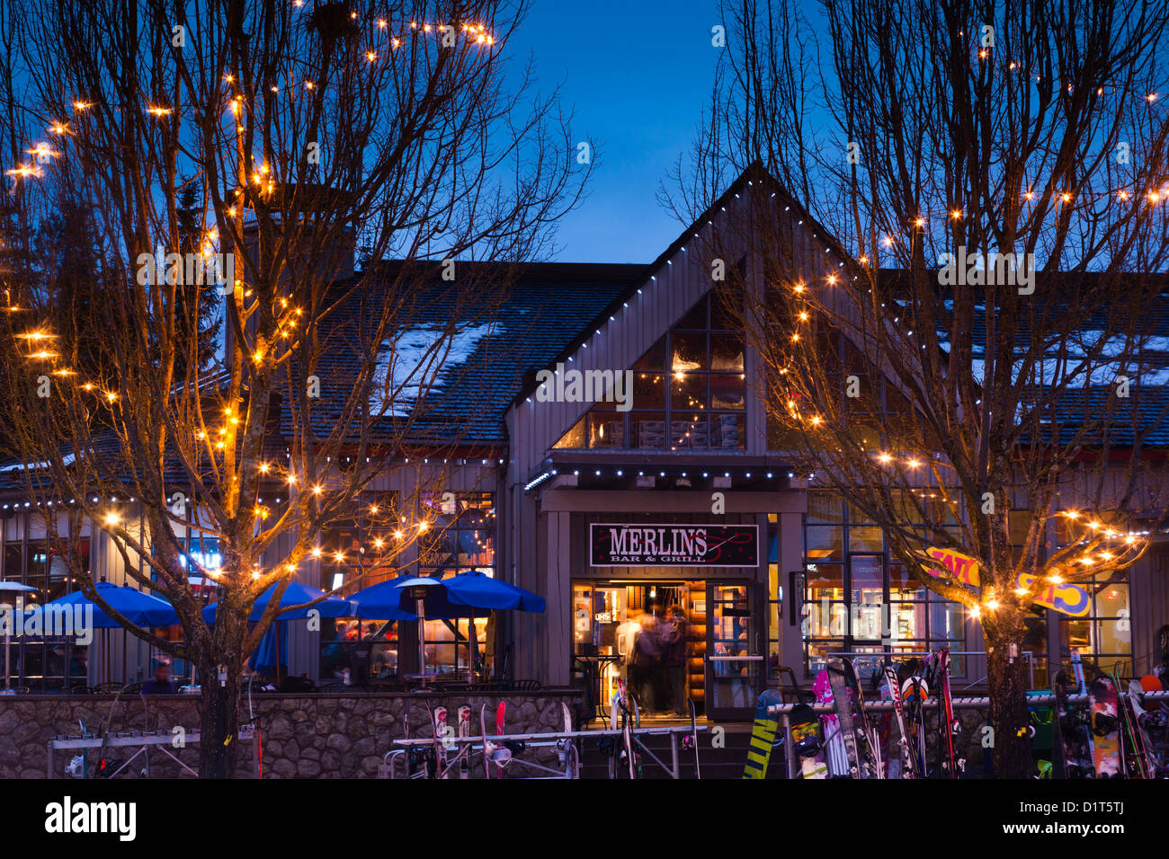 Night lights upper canada village - Canada British Columbia Whistler Blackcomb Upper Village Merlin S Bar Dusk