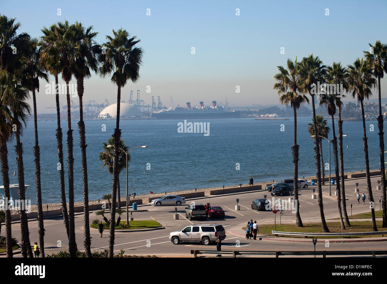 Parking lot at bluff park and the queen mary at long beach for Lax long term parking lot
