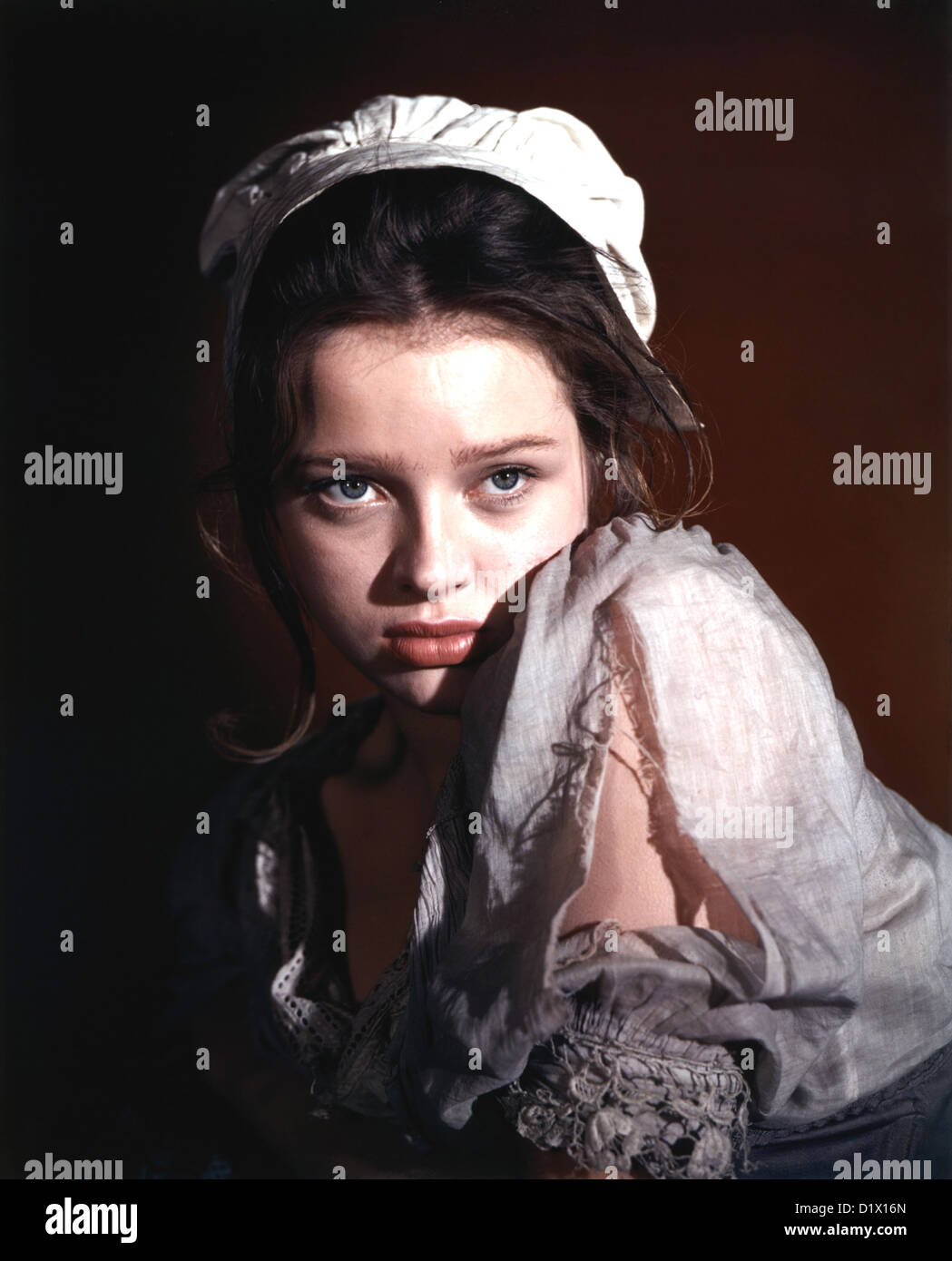 oliver twist stock photos oliver twist stock images alamy oliver twist 1948 cineguilkd film diana dors as charlotte stock image