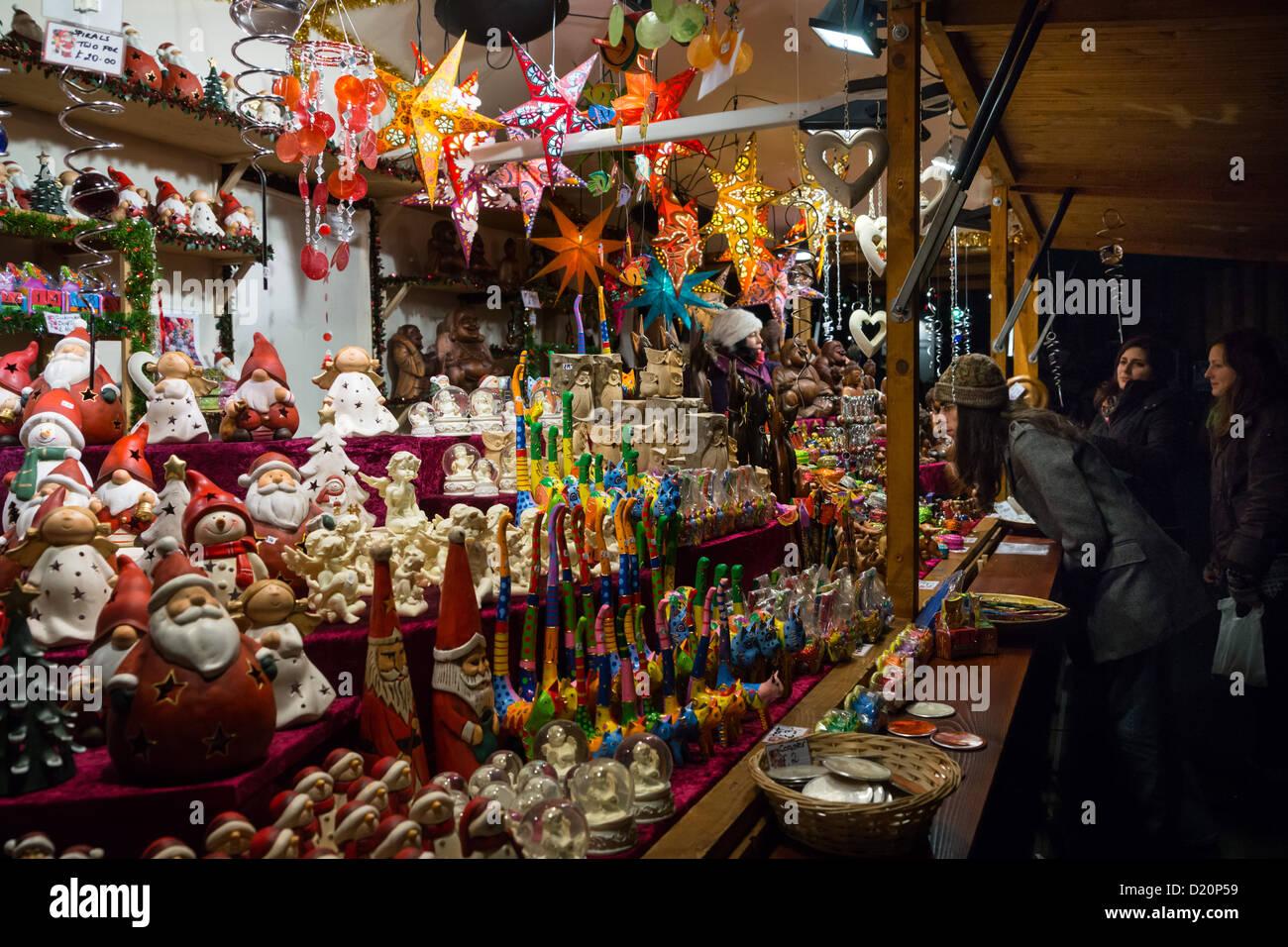Edinburgh Christmas Market Stock Photos & Edinburgh Christmas ...