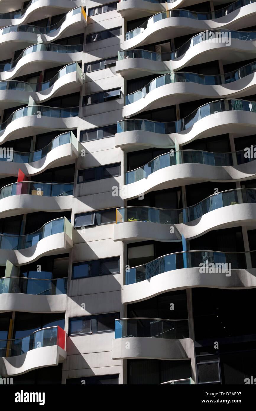 Famous Australian Architect Harry Seidler Designed This Inner City Apartment Building