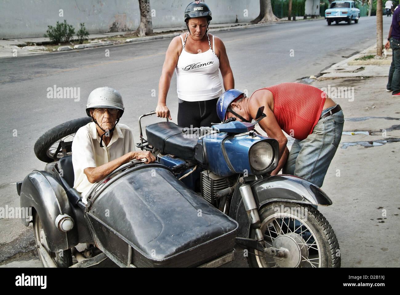 Женщина с коляской под юбкой фото 22-809