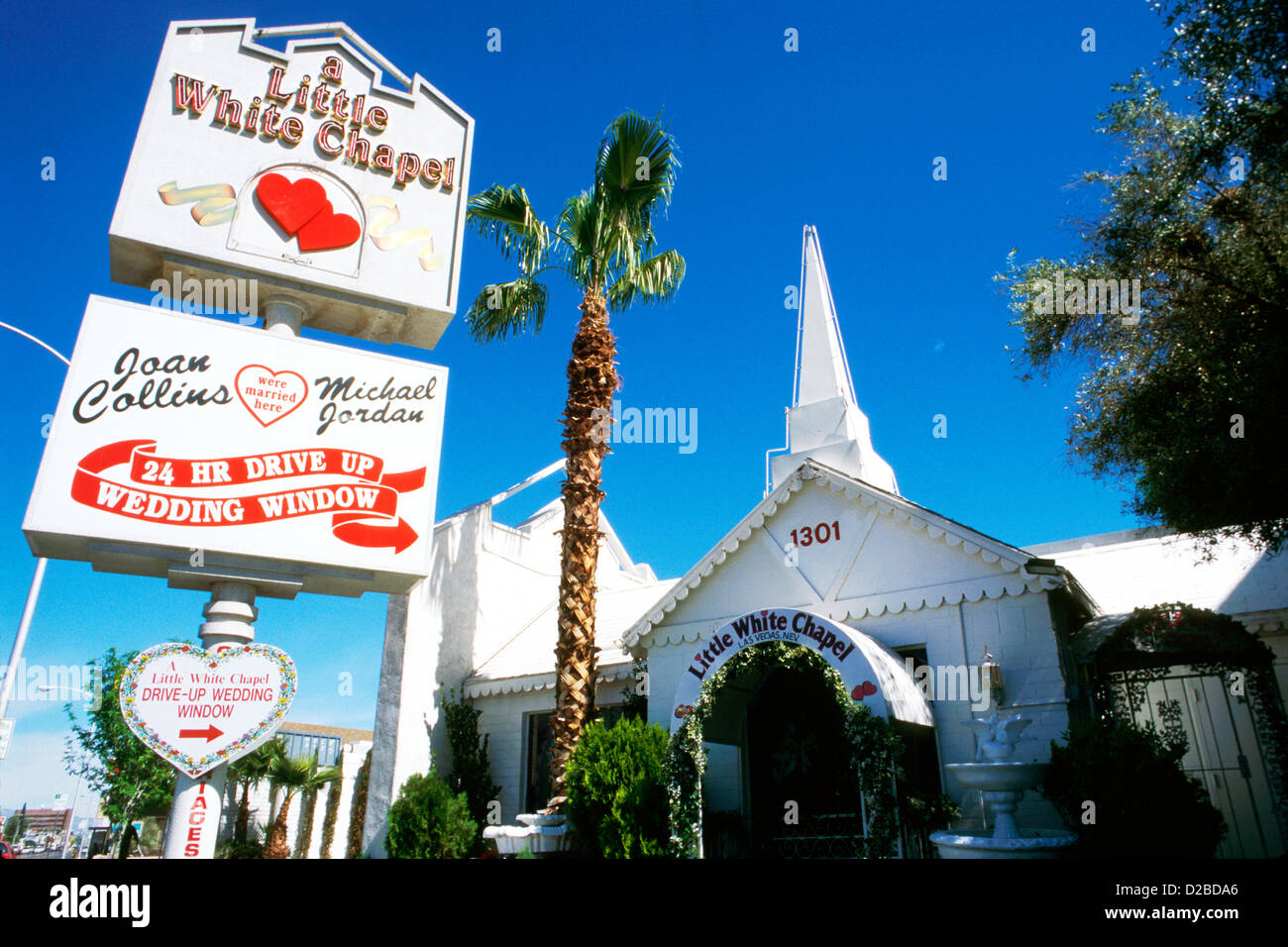 nevada las vegas a little white chapel wedding chapel stock photo 53112366 alamy. Black Bedroom Furniture Sets. Home Design Ideas