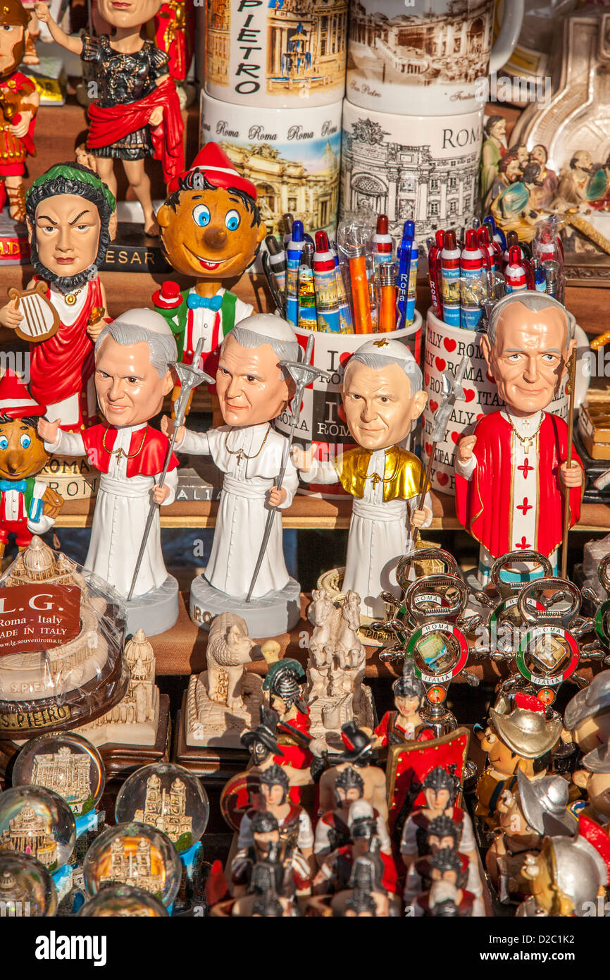 How to Buy Gifts and Souvenirs for Others When Traveling Abroad
