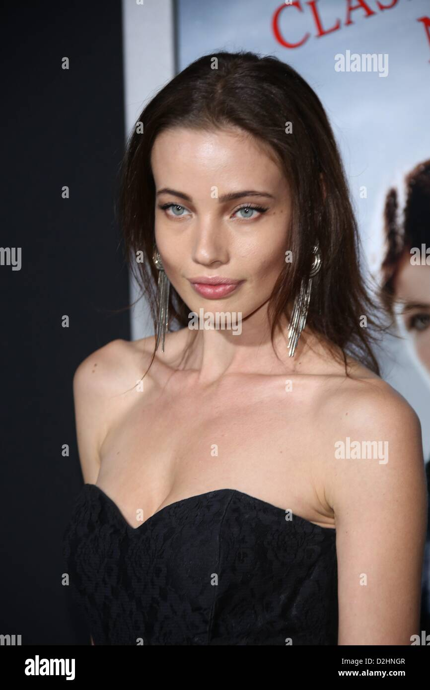 Stephanie Corneliussen Nude Photos 1