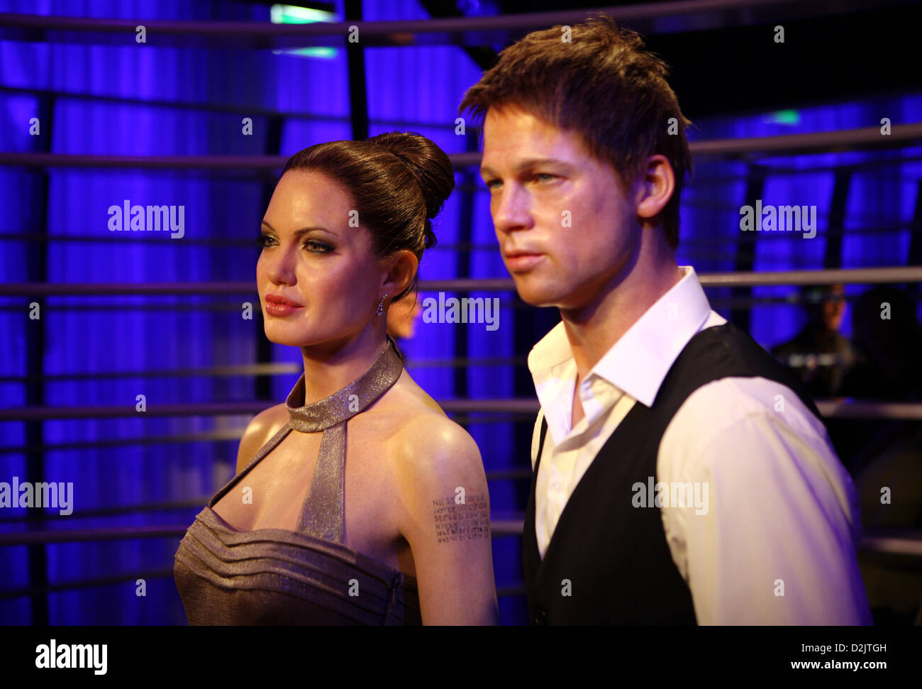 berlin germany angelina jolie and brad pitt at madame tussaud 39 s wax stock photo royalty free. Black Bedroom Furniture Sets. Home Design Ideas