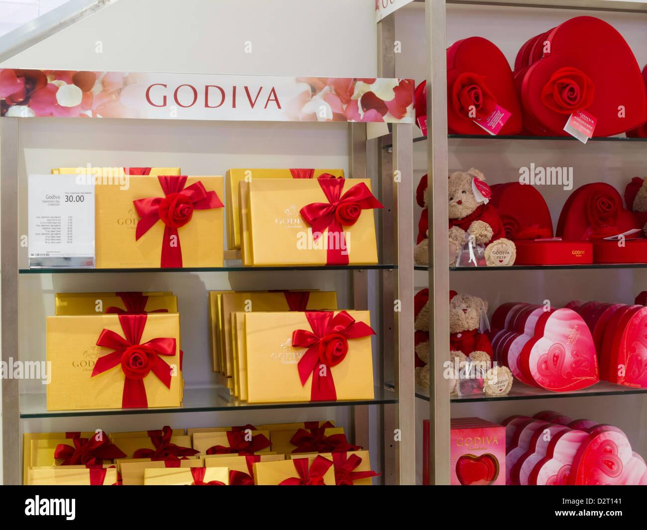 Macyu0027s Department Store Valentineu0027s Day Display, NYC