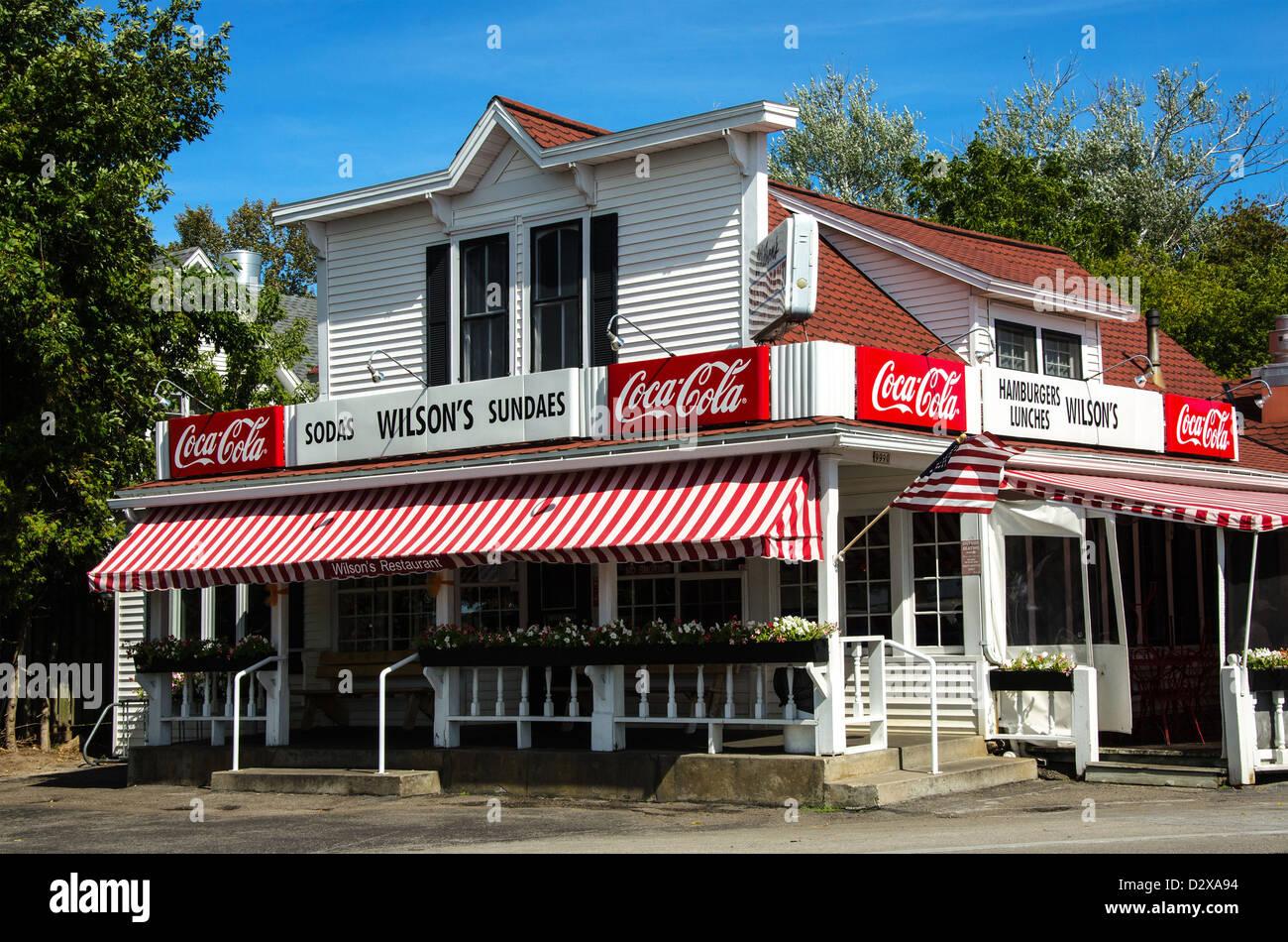 Wilson S Restaurant And Ice Cream Parlor In The Door