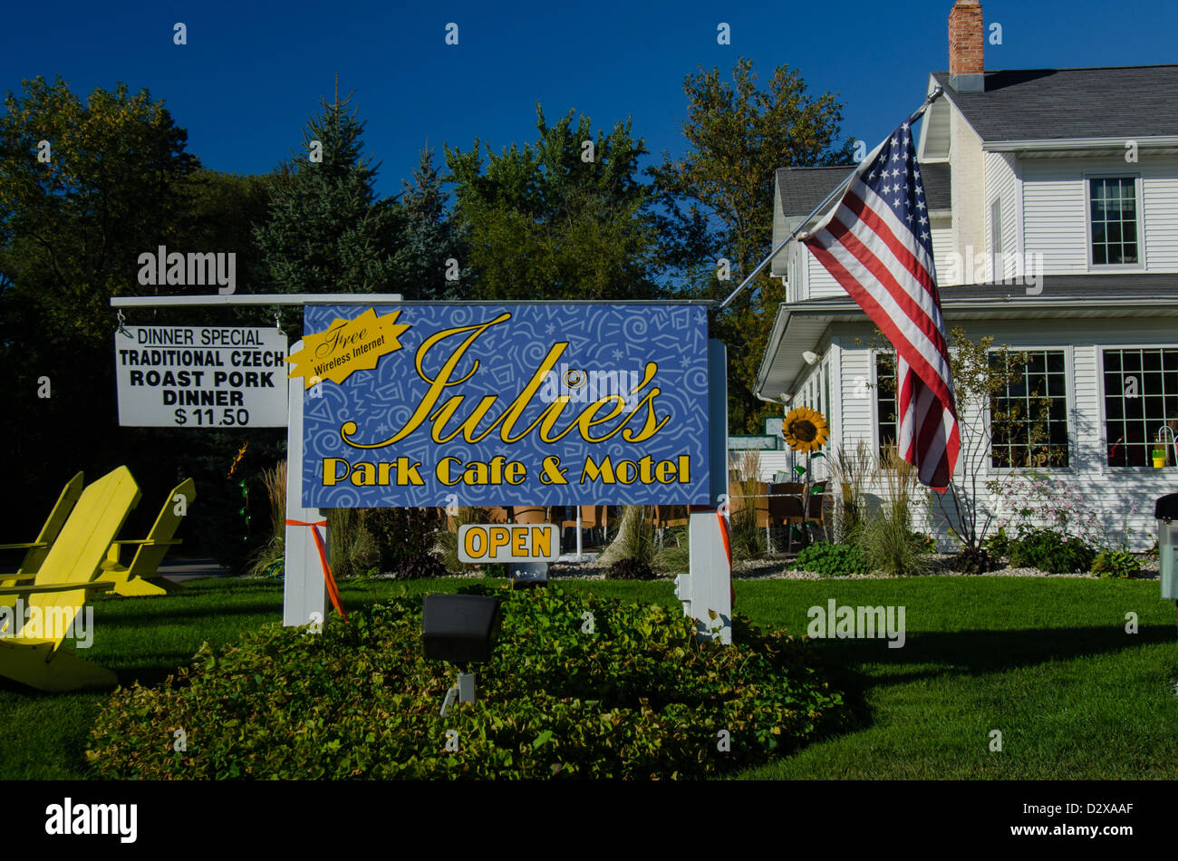 Julie 39 s park cafe and motel in the door county town of for Door county lodging fish creek