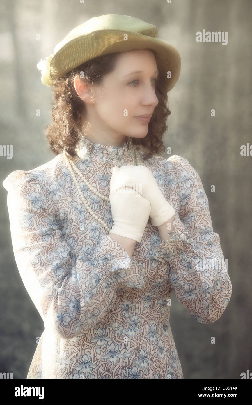 yellow dress gloves 1850