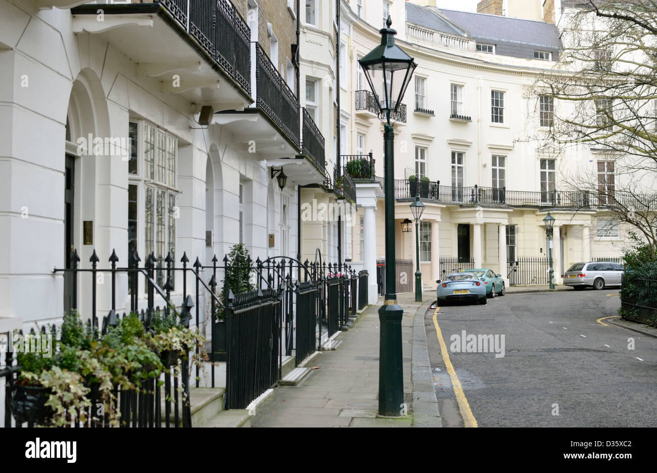 Houses in brompton square sw3 knightsbridge london uk for Knightsbridge homes