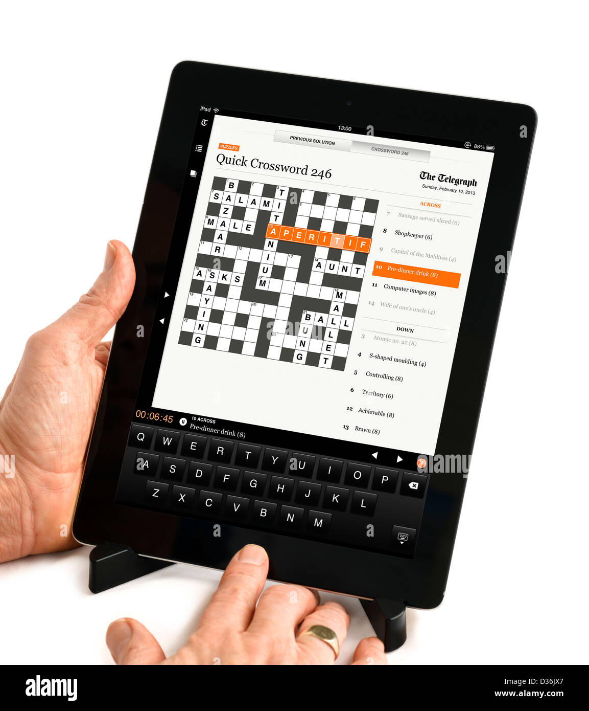 Doint the crossword on the Telegraph app on an Apple iPad 4th genration retina display tablet computer  sc 1 st  Alamy & Doint the crossword on the Telegraph app on an Apple iPad 4th ... 25forcollege.com