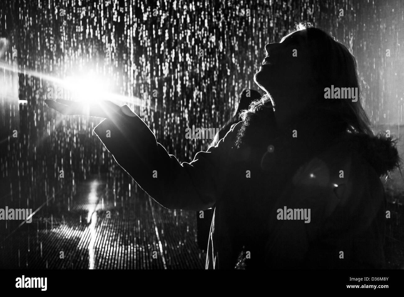 woman in the rain | Joana Kruse photography