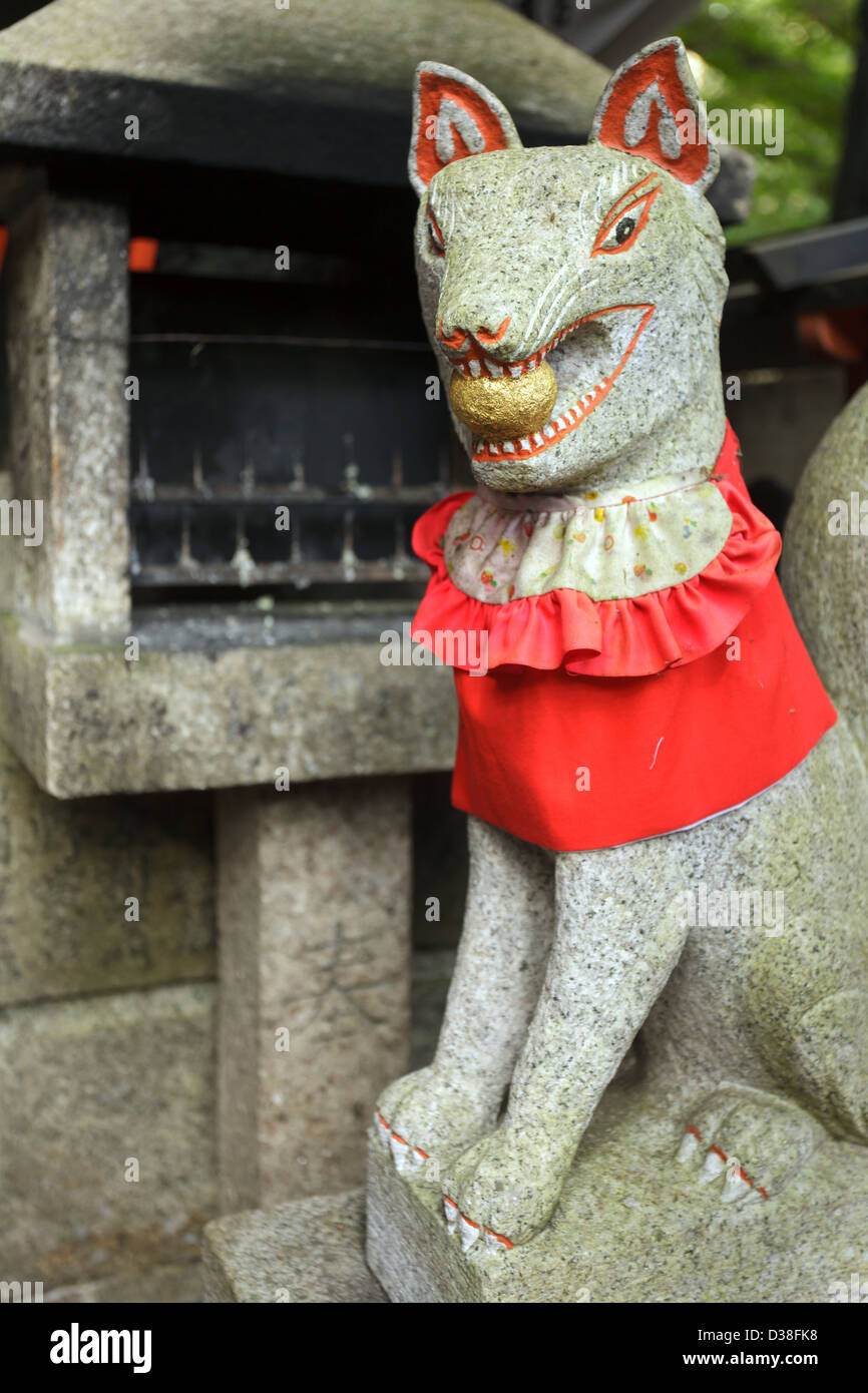 Baby inari fox for sale - God Fox Statue In Fushimi Inari Shrine Near Kyoto Japan Stock Image