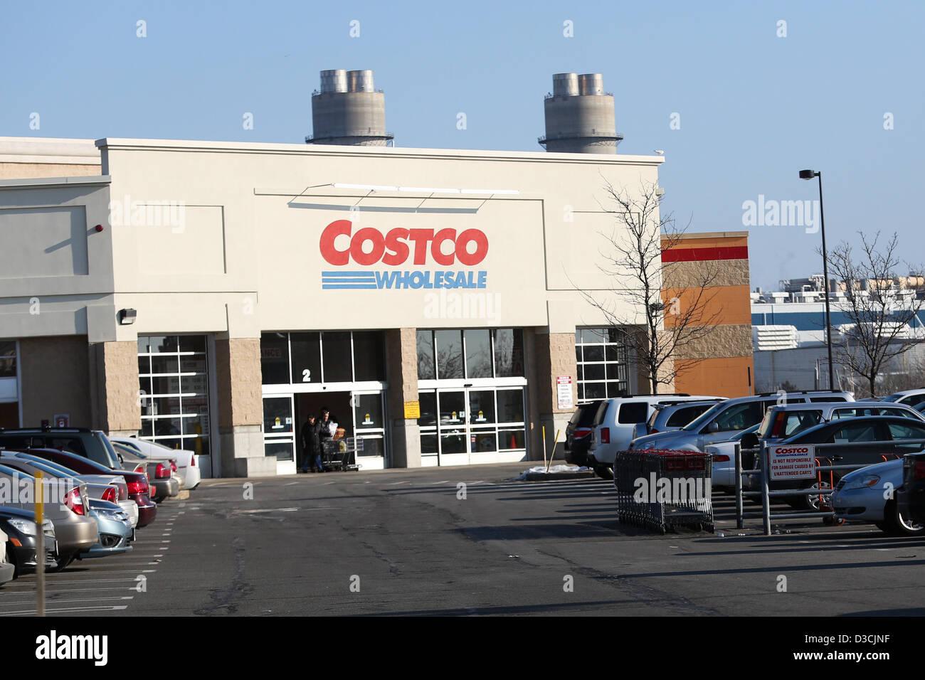 costco whole corporation stock photos costco whole 15 2013 everett massachusetts u s the costco in everett