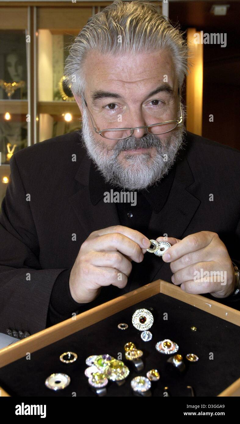 dpa) - Jeweller Wolf-Peter Schwarz shows some pieces of jewellery ...