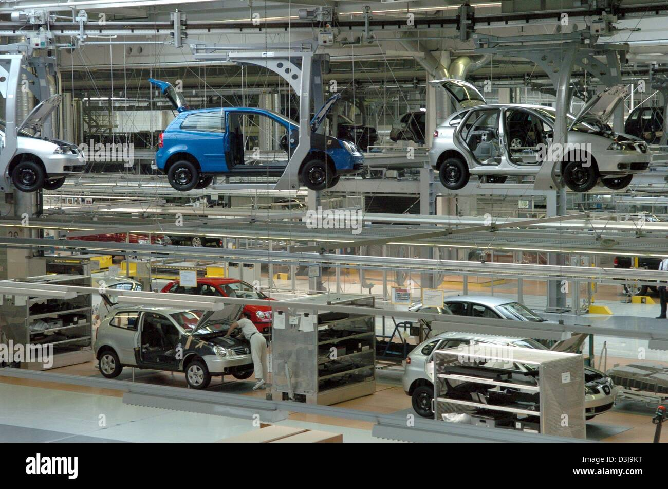 dpa seat ibizas on the assembly line of the volkswagen