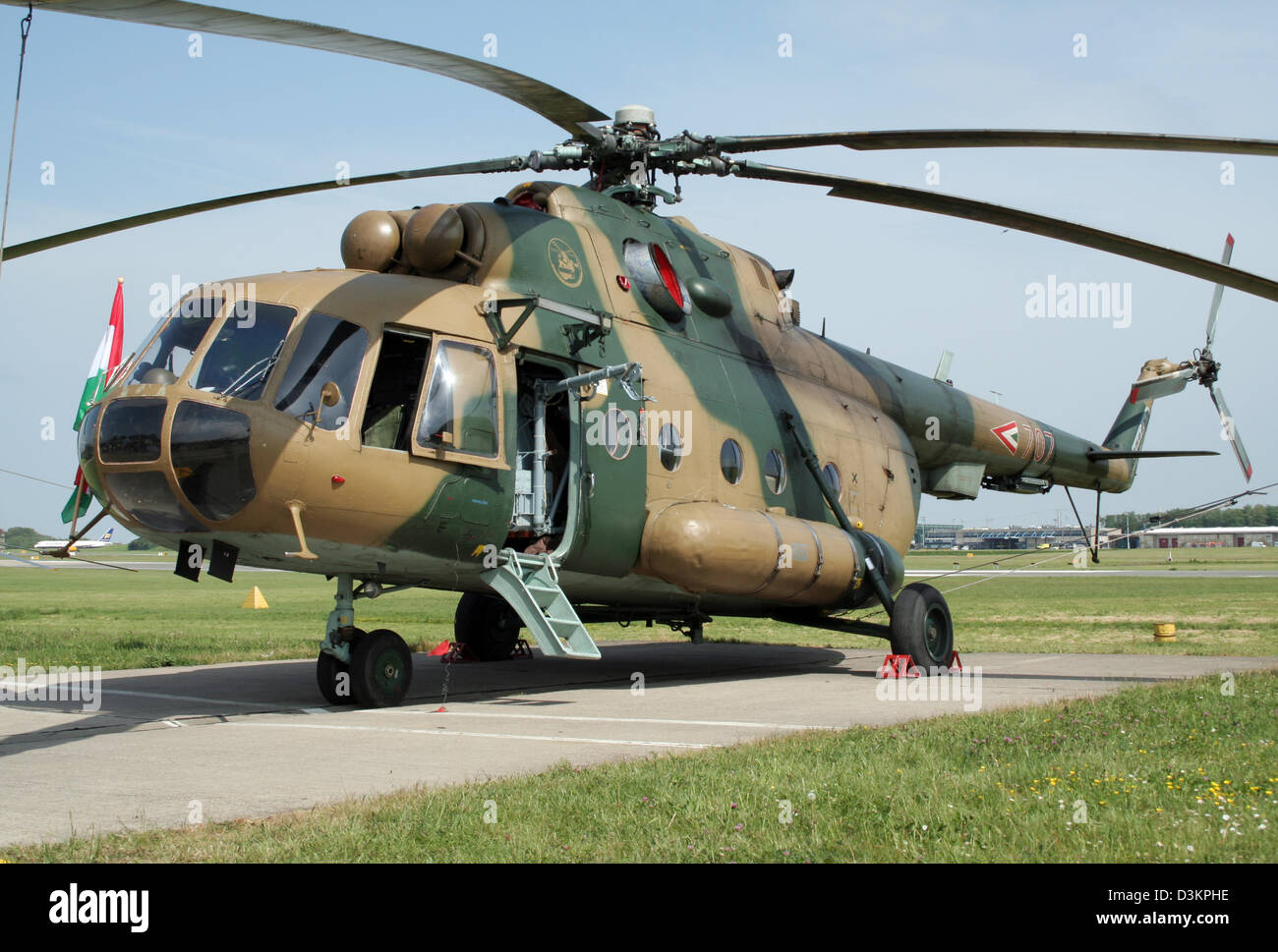Elicottero Mi 8 : Hungarian air force mi hip transport helicopter stock