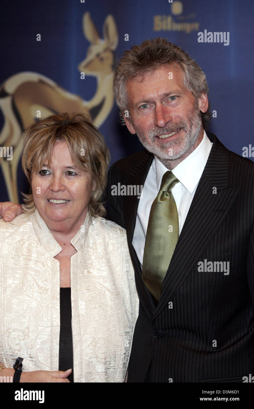 dpa Former German soccer player Paul Breitner and his wife