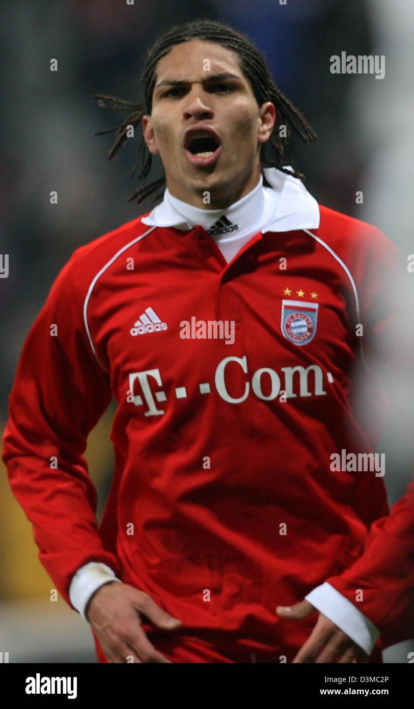 Striker Paolo Guerrero from FC Bayern Munich celebrates ...