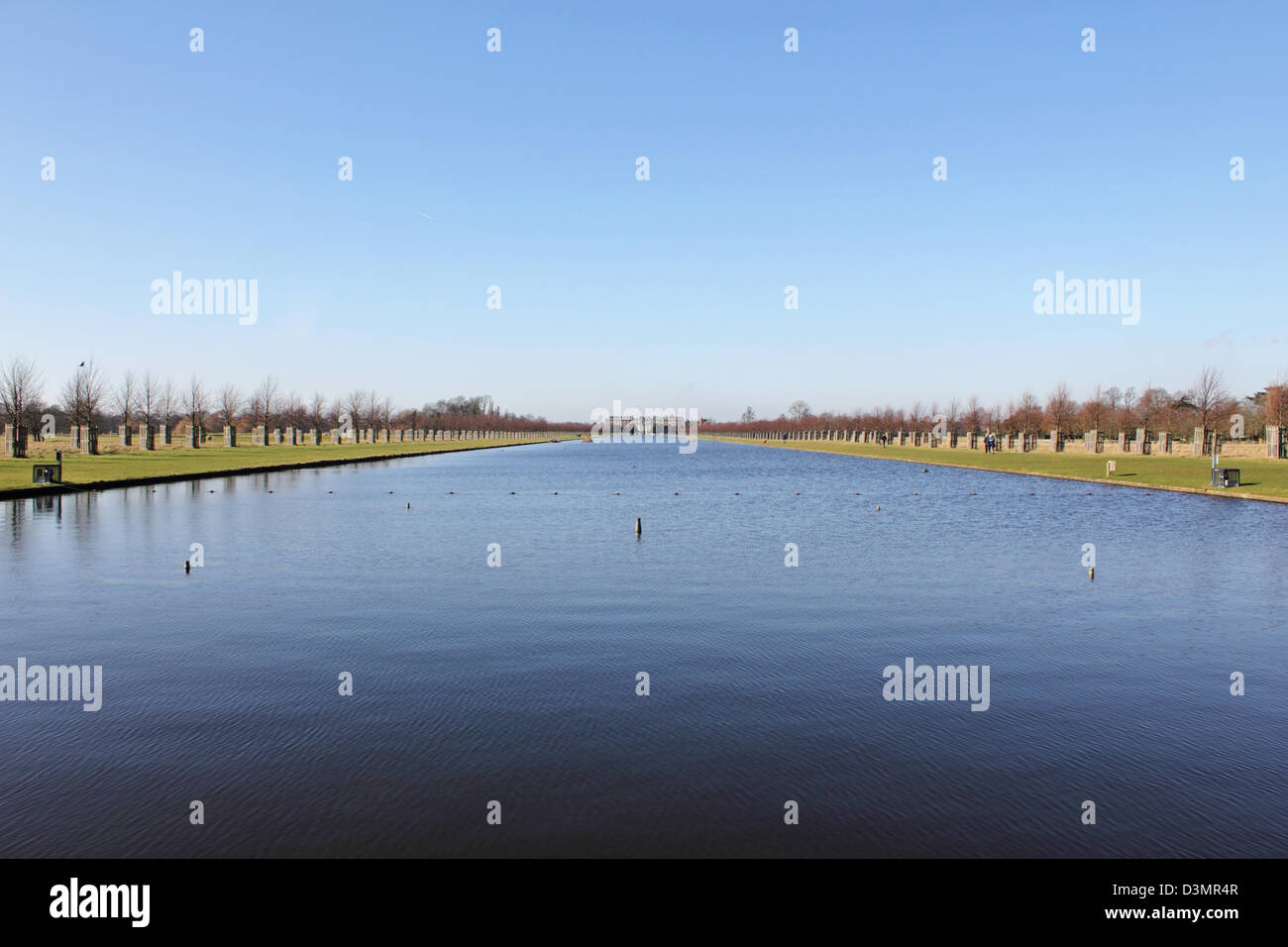 The Long Water Hampton Court Park Home England UK Stock