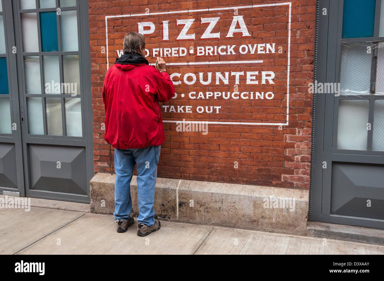 Italian Restaurant Sign On Street Stock Photos \u0026 Italian ...