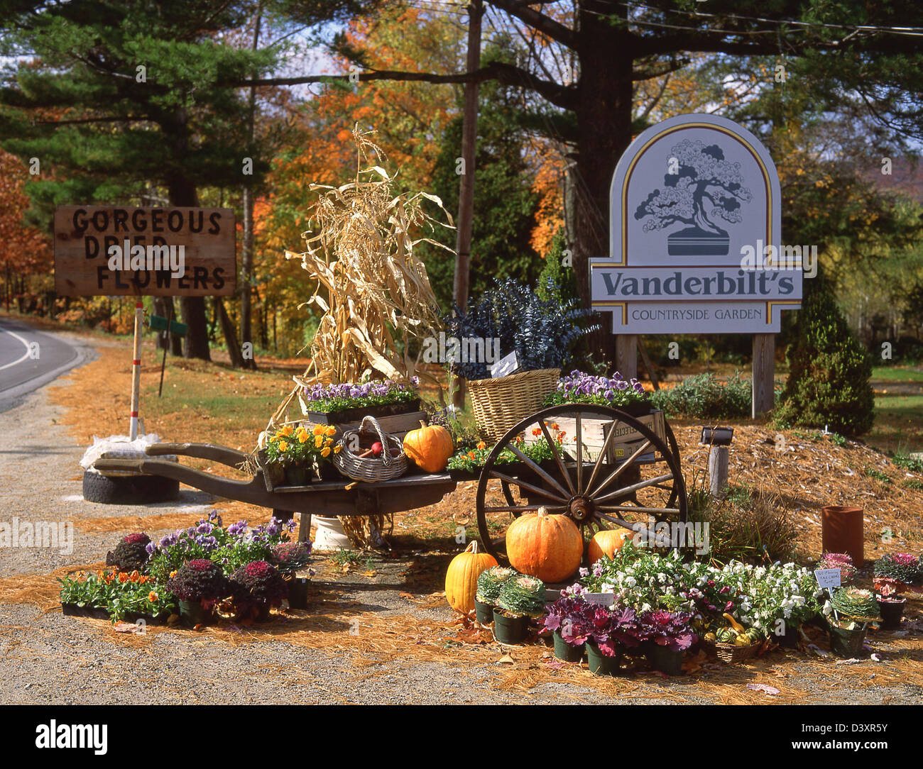 roadside halloween display outside vanderbilts countryside garden new hampshire united states of america - Halloween New Hampshire
