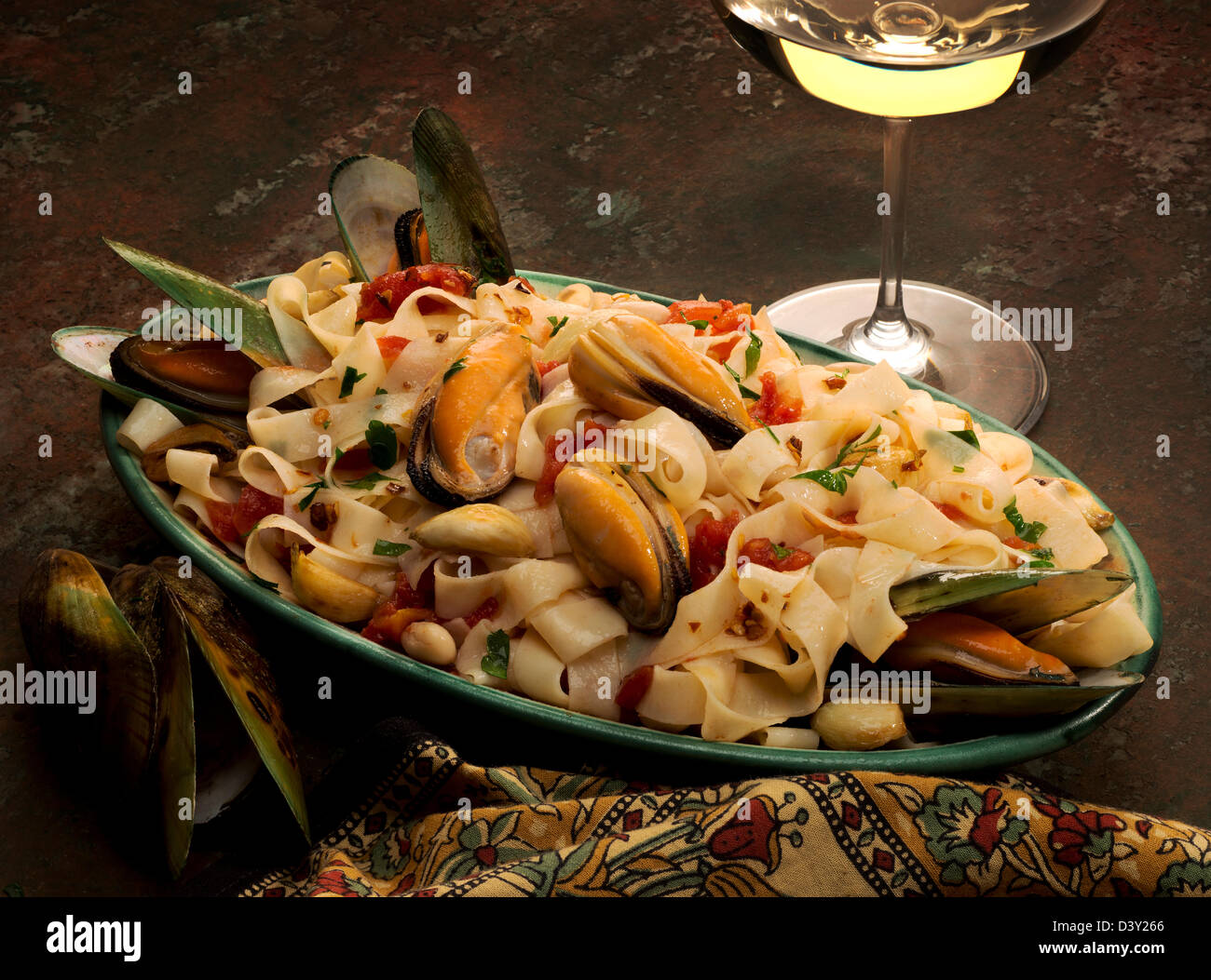 Pasta Platter With Green Mussels,tagliatelle Pasta, Garlic Stock ...