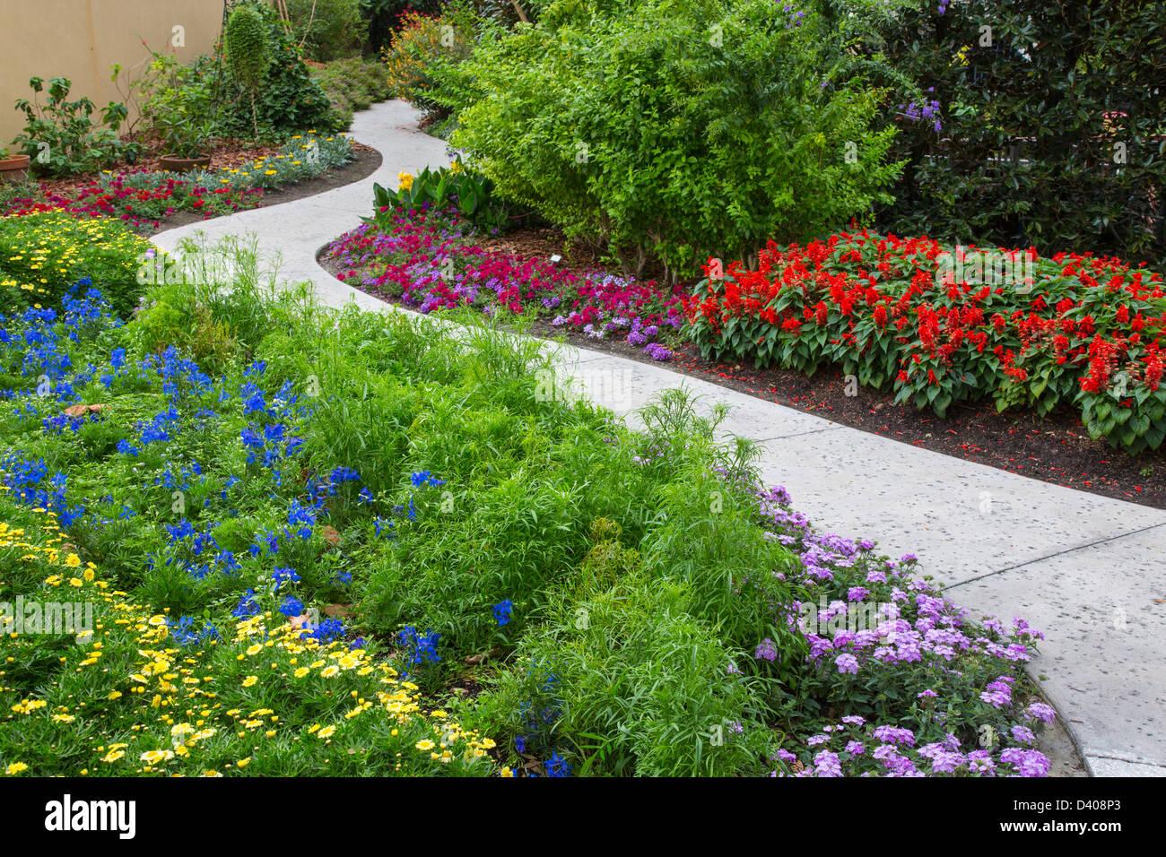Hollis Garden In Lakeland Florida A Botanic Formal Garden