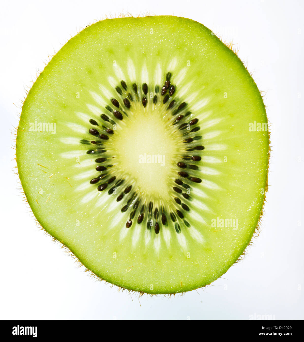 how to cut a kiwi in slices