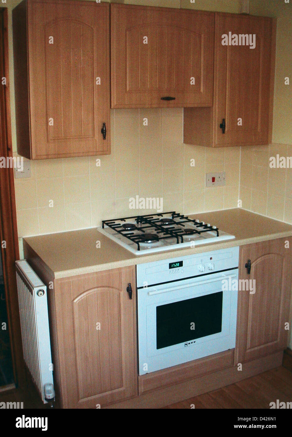 White built in oven and hob