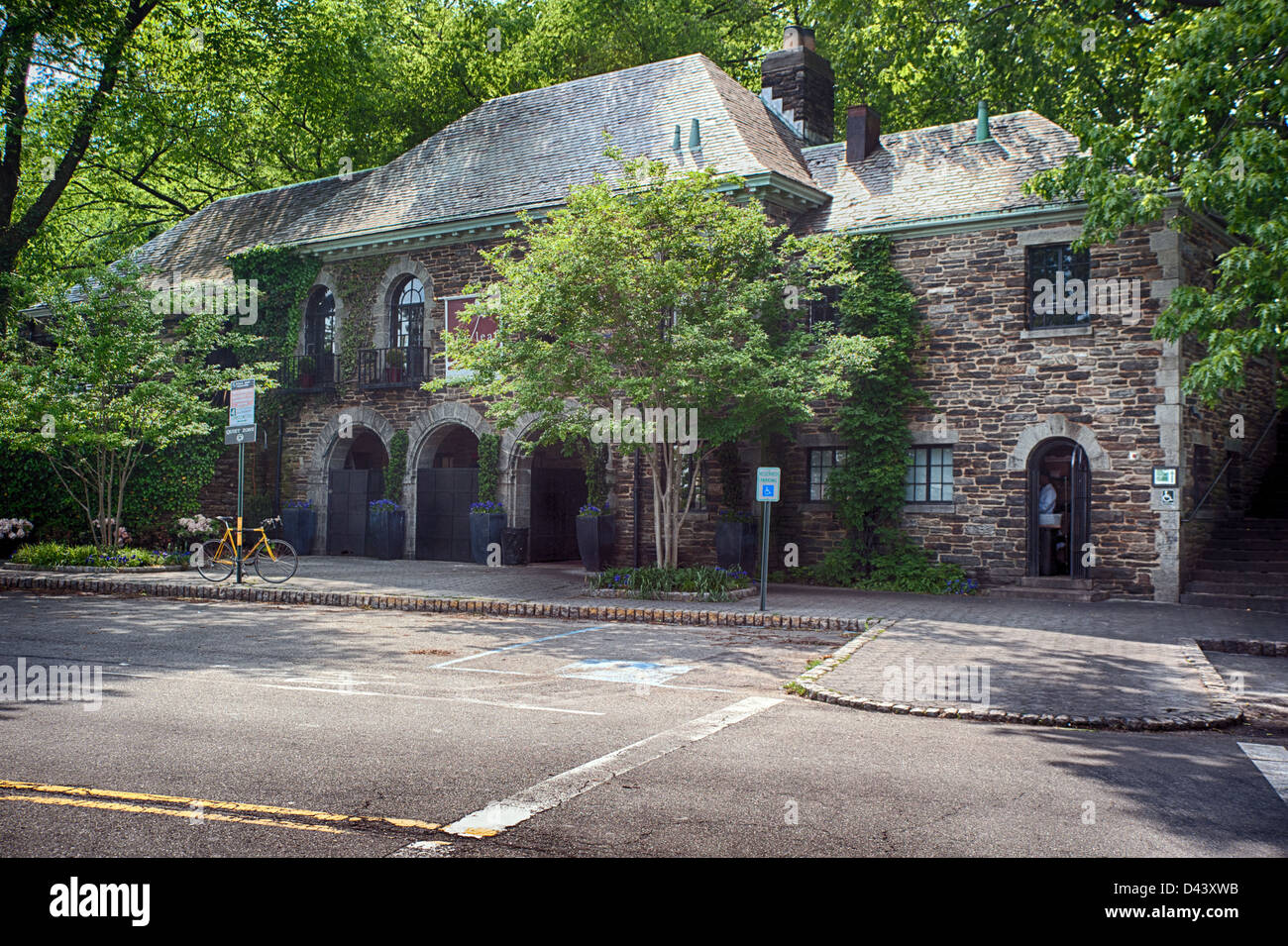 Restaurant Near The Cloisters In Fort Tryon Park New York