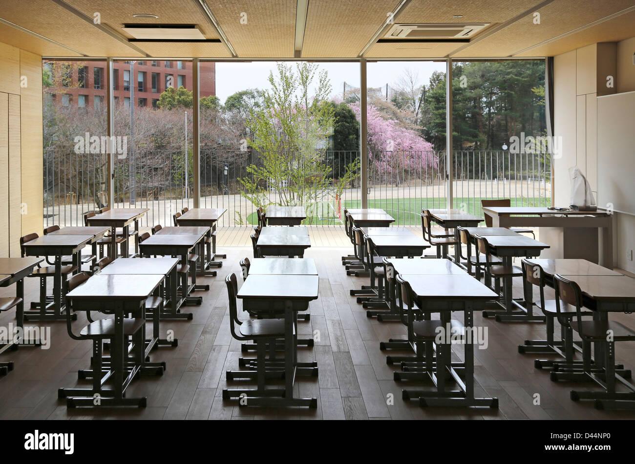 Teikyo University Elementary School Tokyo Japan Architect Kengo Kuma 2012 Interior View Typical Classroom On Ground Floor