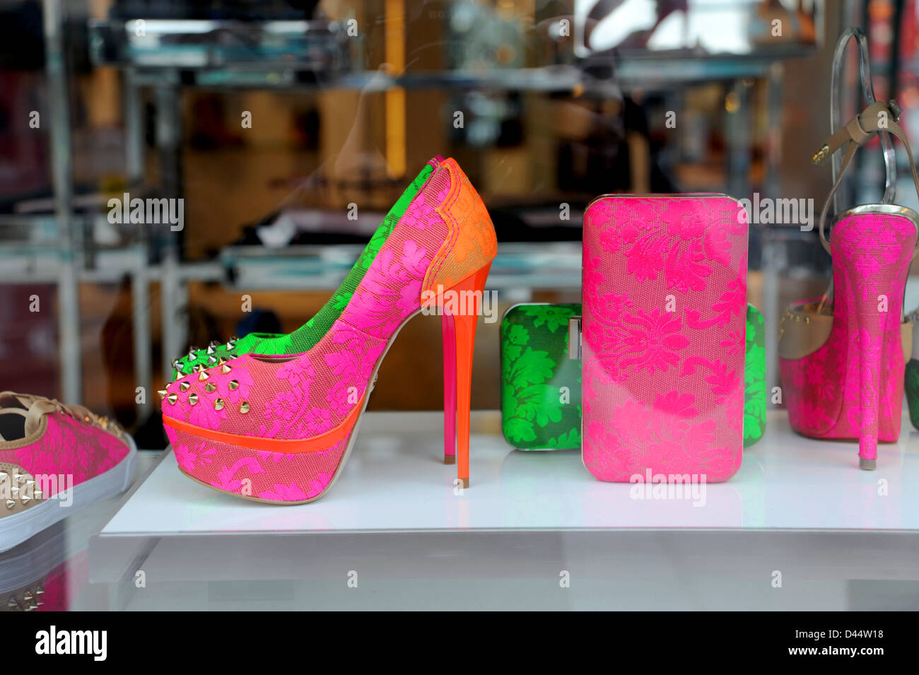 High Heel Shoes Stock Photos & High Heel Shoes Stock Images - Alamy