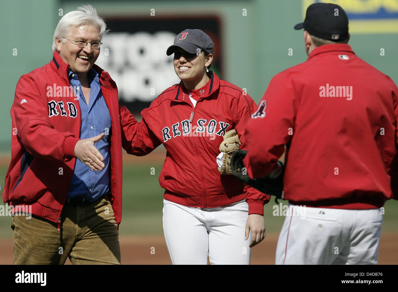 German foreign minister frank walter steinmeier l thanks the german foreign minister frank walter steinmeier l thanks the catcher prior to the baseball game boston red sox vs new york yankees at fenway park in sciox Images