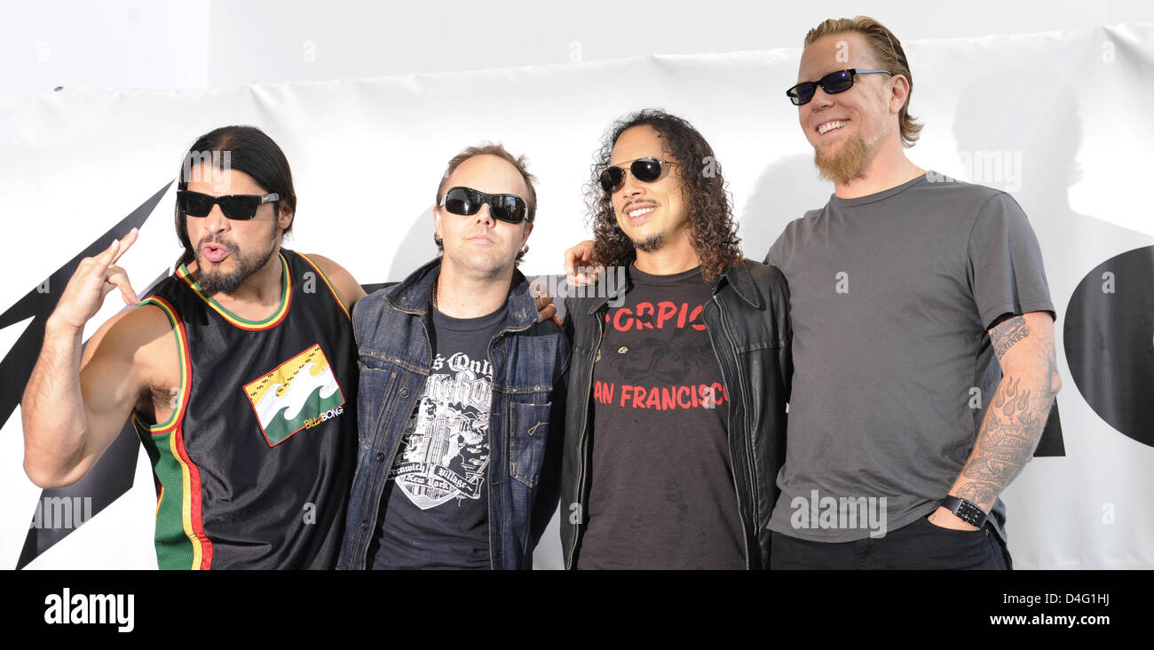 List of Synonyms and Antonyms of the Word: metallica band
