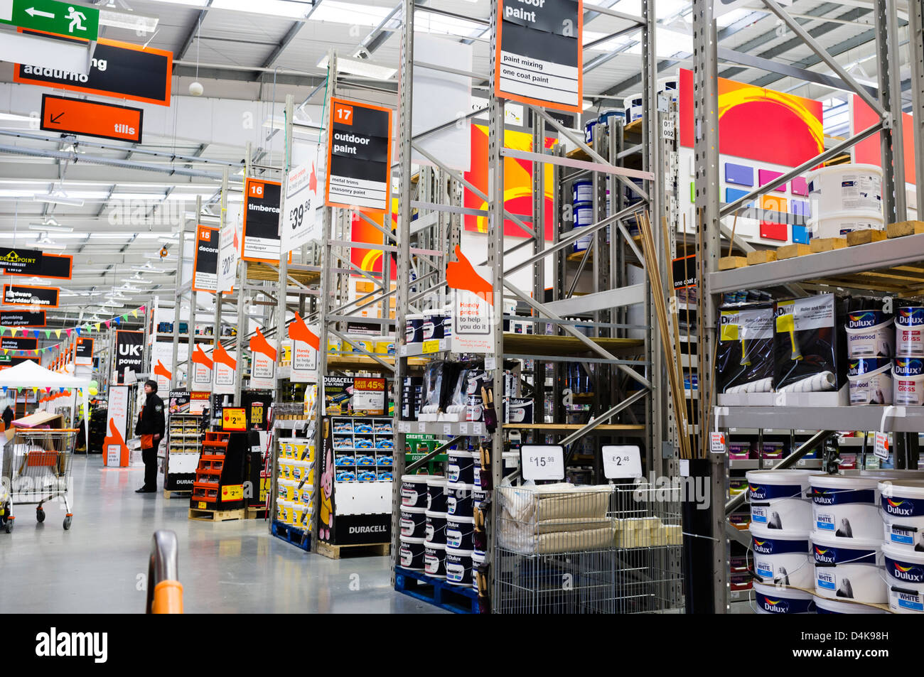 Interior, B&Q diy hardware store, Trostre retail park ...