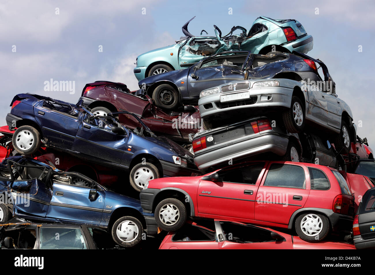 scrapped cars piled up at a car recycling plant near leverkusen stock photo 54515646 alamy. Black Bedroom Furniture Sets. Home Design Ideas