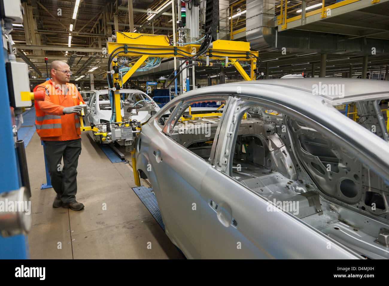 Saarlouis germany ford plant in saarlouis ford focus on the assembly line