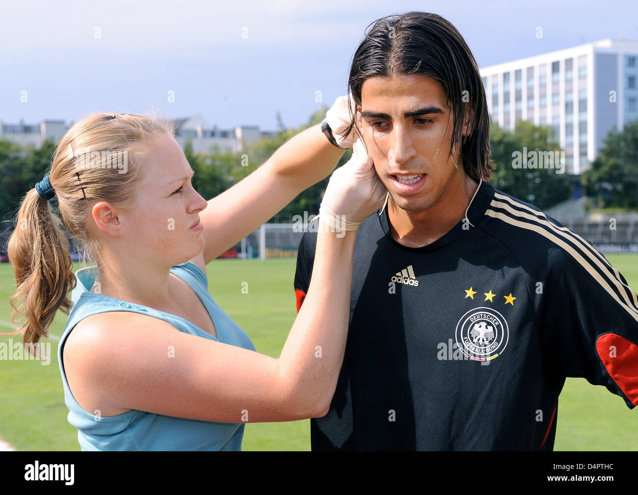 pthc russian Germany international Sami Khedira bears with a lactate test of the German squad in Cologne,
