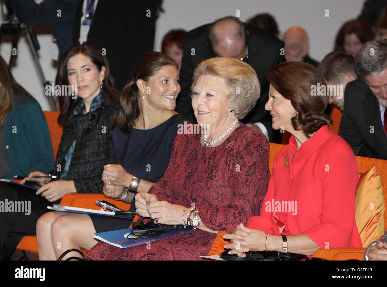 l-r-princess-mary-of-denmark-crown-princess-victoria-of-sweden-queen-D4TP49.jpg