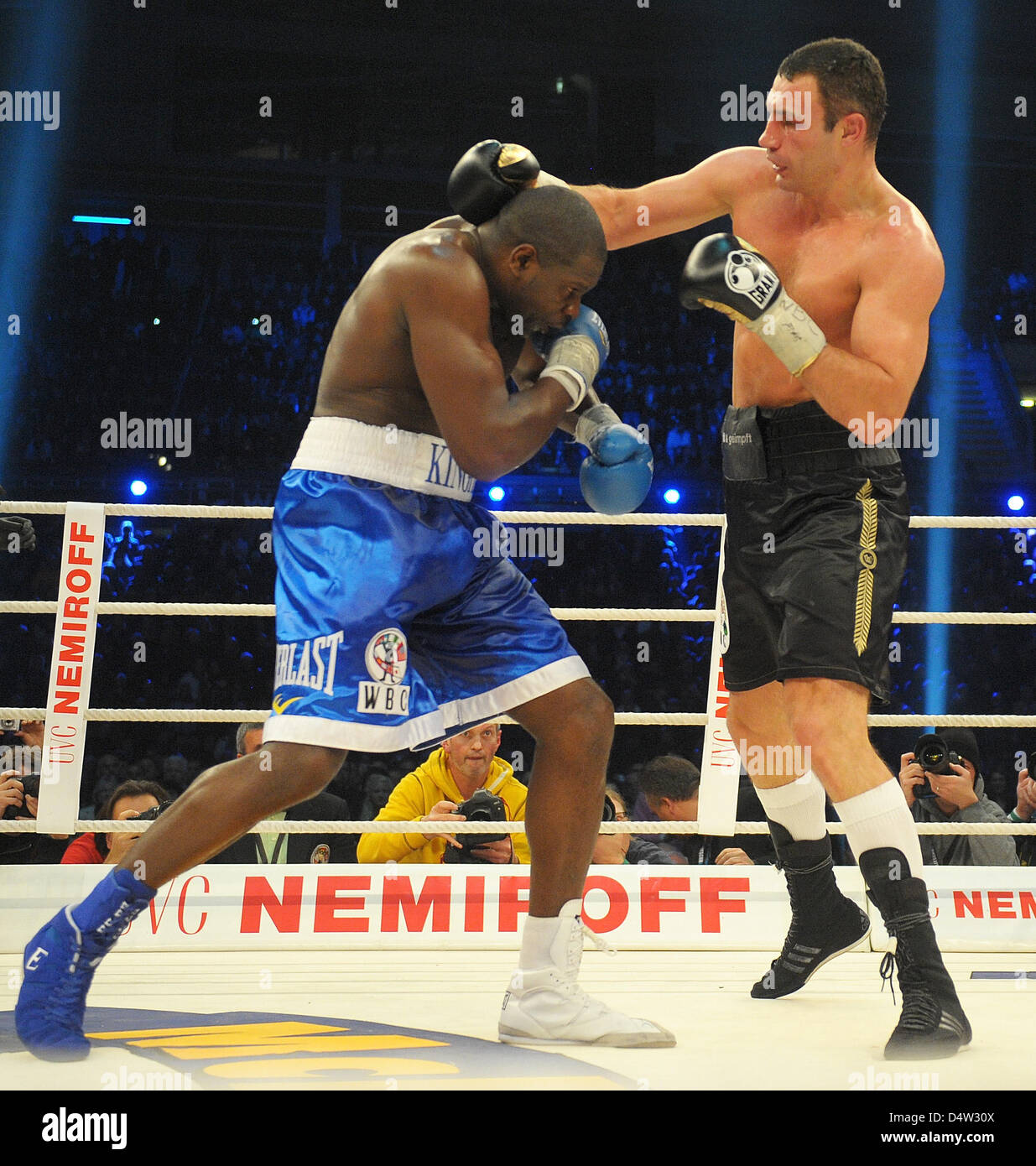 Vitali Klitschko R from the Ukraine and Kevin Johnson from the