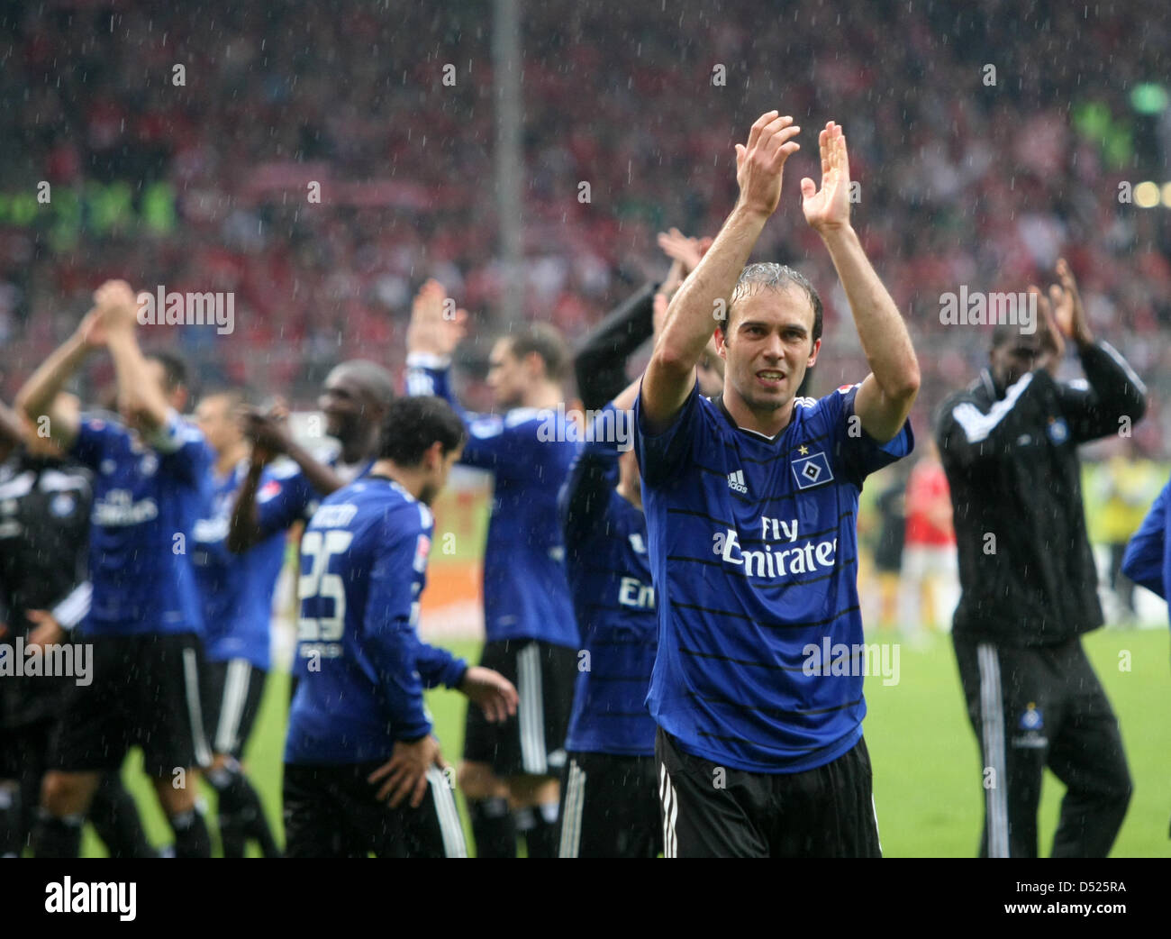 hamburger sv players celebrate their team 39 s 1 0 win after the stock photo royalty free image. Black Bedroom Furniture Sets. Home Design Ideas