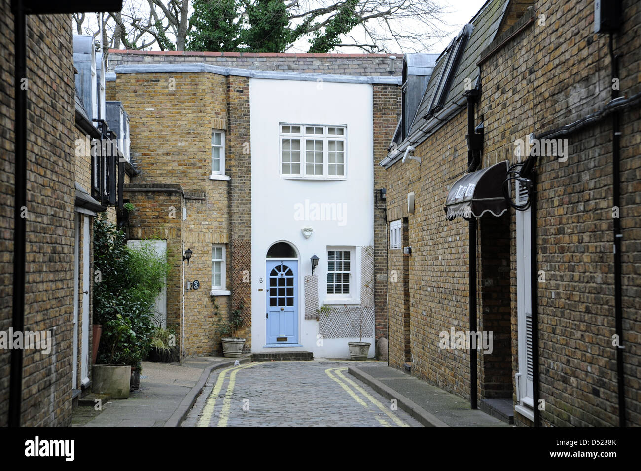 Exclusive Mews Style House In Charles Lane St John S Wood